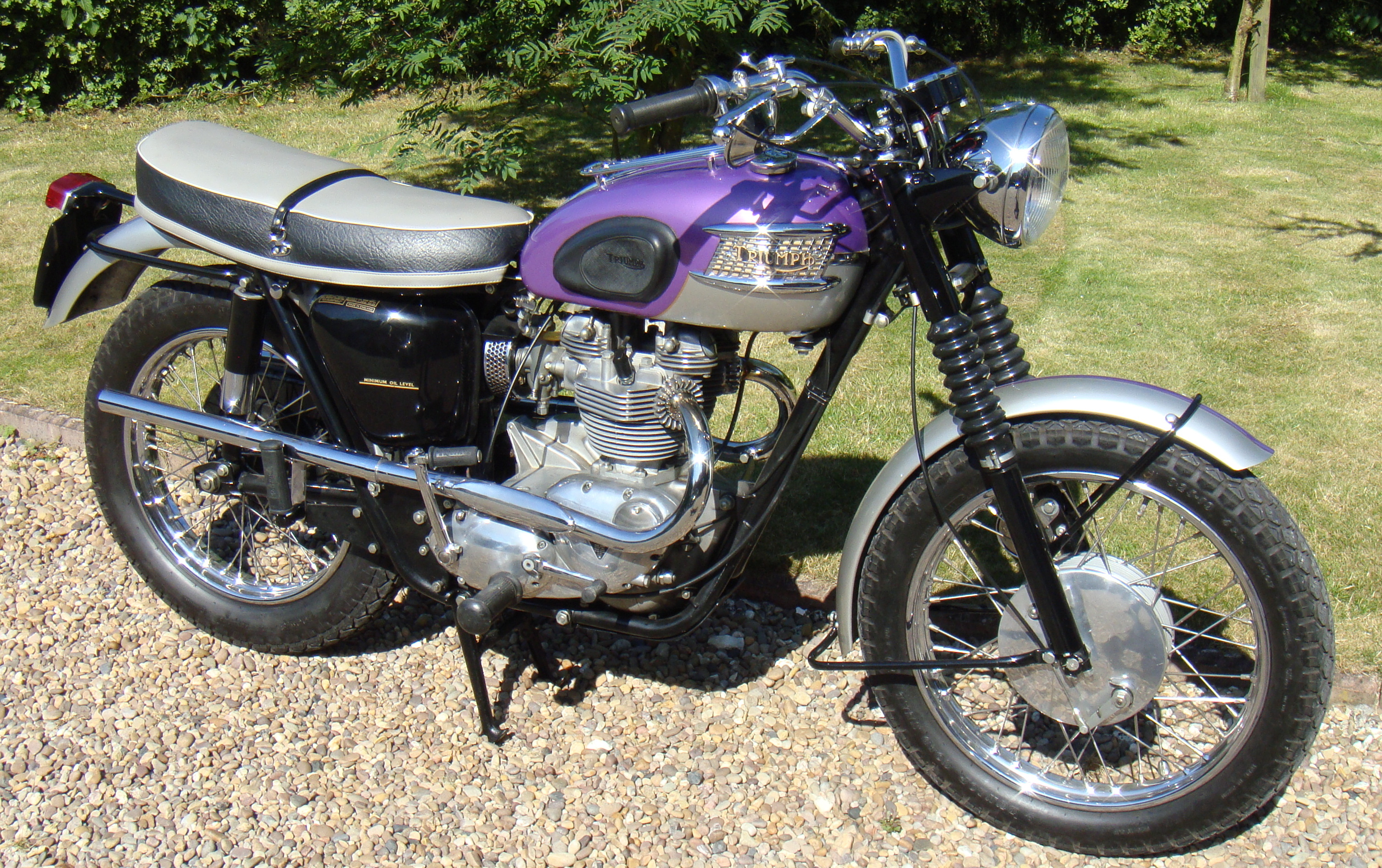 Tech triumph british chopper wiring diagrams additionally Wiring Diagrams also Grounding Wire Location Help Please 10069 in addition Triumphbonneville120 co likewise 1967 Triumph Tr6r Wiring Diagram. on 1967 triumph 650 bonneville wiring